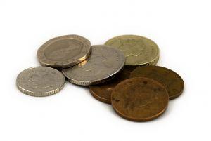 el tonto del pueblo y las monedas